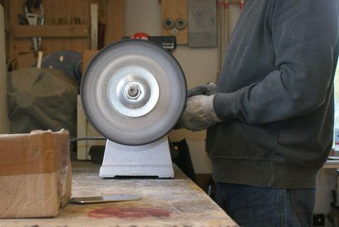 ... sind die Metalteile für das  Efach und die Neckplatte.