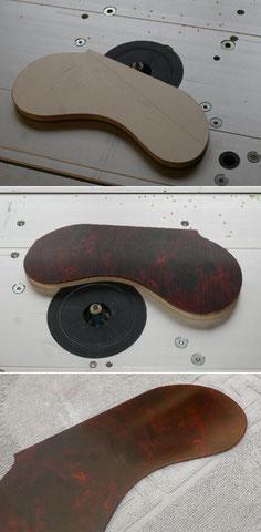 Aus Originalmaterial wird das passende Schlagbrett angefertigt.