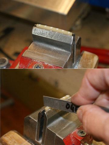 Die Schlitze werden der saitenstärke angepasst.
