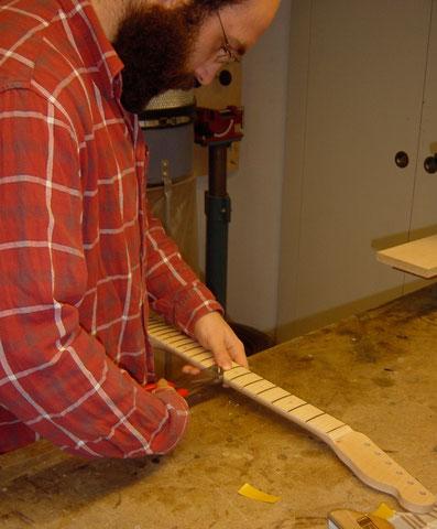 Im Anschluss wird mit der Feile alles sauber geputzt und damit sind die Arbeiten vorerst abgeschlossen.