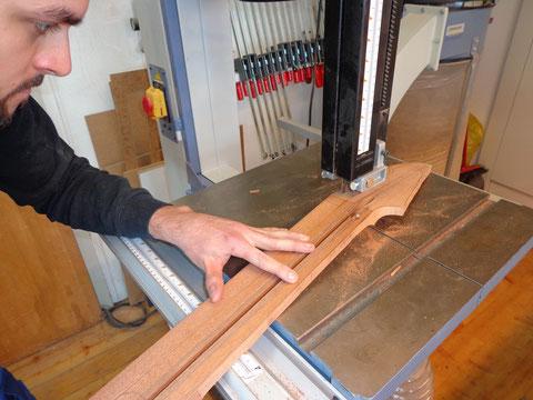 ... und später wird die Kopfplatte mit dem Fräser aufs genaue Maß gearbeitet.