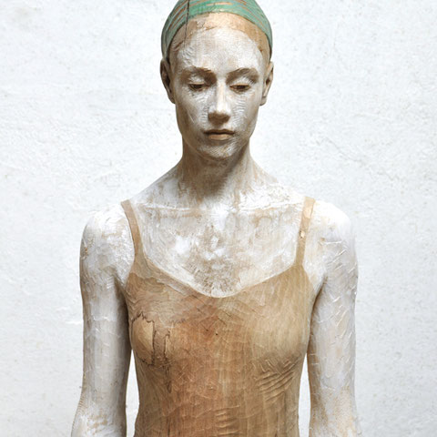 "bruno walpoth, edition ""johanna"", 2016, nr. 3/4, 62 x 35 x 21 cm, nussholz/acryl – erlas galerie"