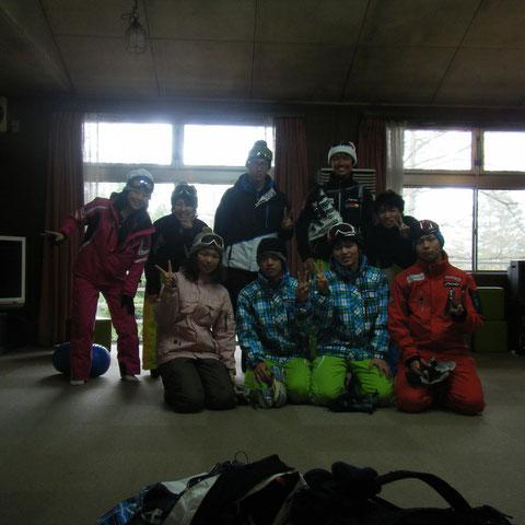 今日のスキー班で記念撮影!!