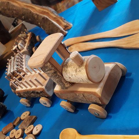 Unsere Holzfreunde findest du am Gartenfest und am Verkauf zum Advent oder vorher übers KONTAKT Formular