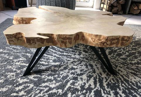 pied de table basse design en métal coloris noir