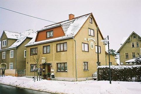 rechts Wohnhaus Glaserei Hopf