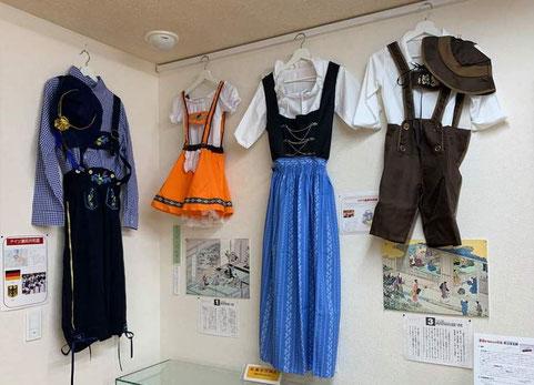 世界の民族衣装展の画像