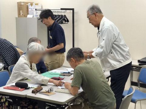 ☆「島」効果抜群仲良しに。左側の立っている黒いシャツは千葉新浦安から応援に馳せ参じた増田直樹助っ人さん。