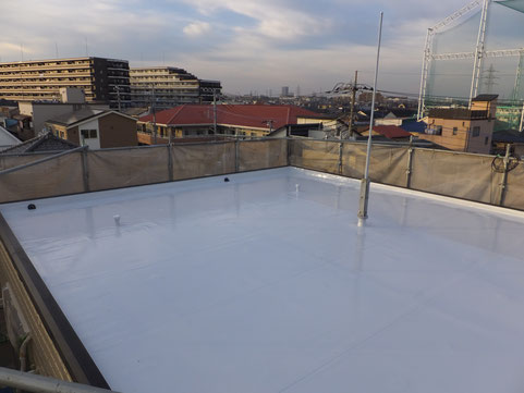 3階建住宅陸屋根 塩ビシート機械固定工法 施工後