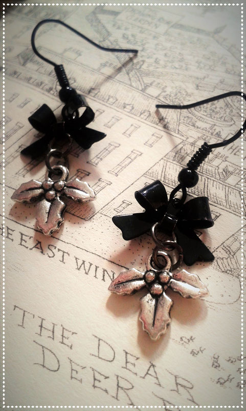Gothic Lolita Holly Earrings