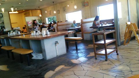 奈良県葛城市のカフェ店内