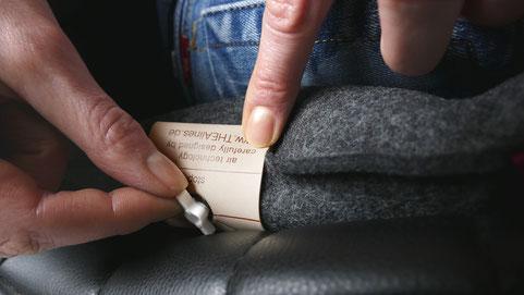 Geschlossenes Drehventil beim Sitzkissen Bürostuhl Pad beim Sitzen