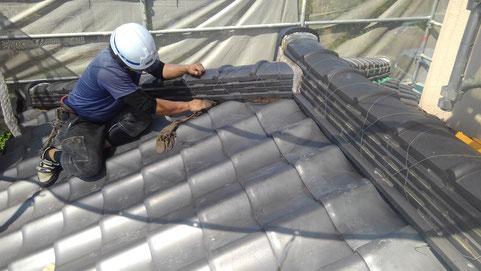 屋根工事中の様子