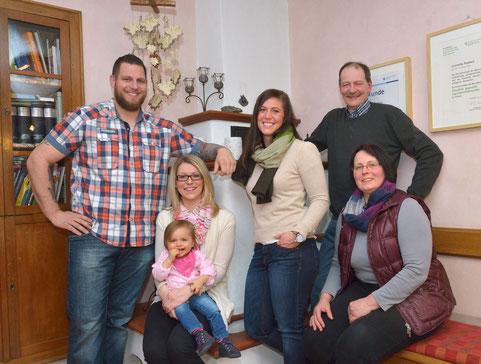 Andreas, Claudia mit Tochter Leonie, Cornelia, Marga u. Bernd Flatten   (Foto: Andreas Dittmer)