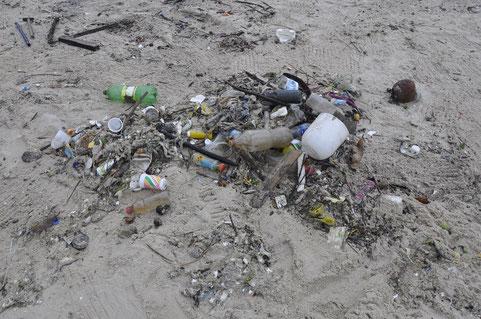 Plastik-müll; Mallorca; Cleanwave.org, H2O-Filtertechnik; Einwegflaschen; Müll-reduzieren; Meere-reinigen