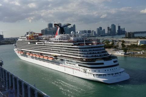 Kreuzfahrt, Kreuzfahrschiff, Pro und Contra, Die Traumreiser