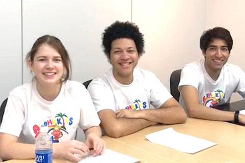ネイティブイングリッシュのバイリンガルトレーナー大阪の幼児子供英会話ALOHAKIDSアロハキッズ自然に英語が身につくキッズ英会話