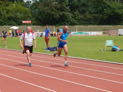 Reinhard Rhaue ist im Sprint der Klasse M 65 bundesweit einer der schnellsten Athleten!