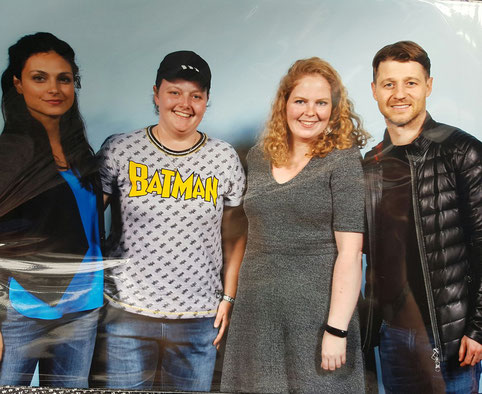 Our photo op with Ben McKenzie and Morena Baccarin at FACTS