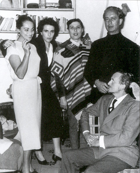 Bona, Leonora Carrington, Gilberte, Mandiargues, Edward James y su loro.