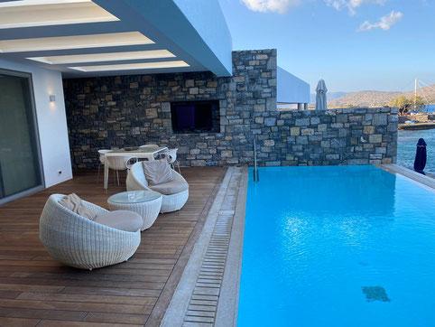 Pool im Hotel auf Kreta