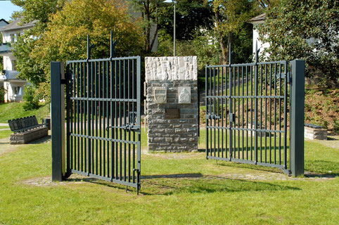 Heidenberg Platz am Belgischen Denkmal mit Blick in Richtung Siegen