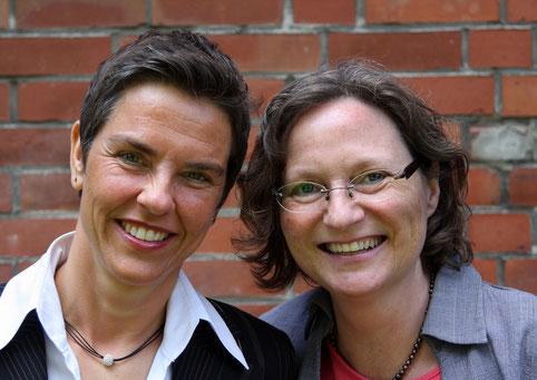 Die Verlegerinnen Corinna Hesse (rechts) und Antje Hinz, (c) kallebu Silberfuchs-Verlag