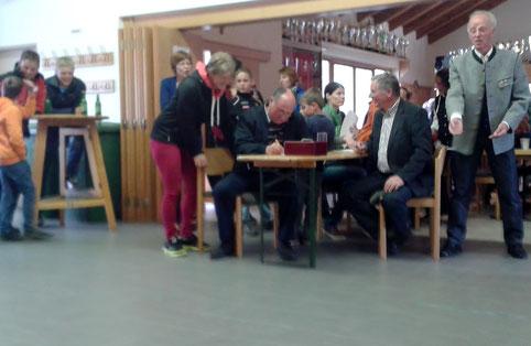 Ostereierspannen des ÖKB 2014 im Rüsthaus - hier die Siegerehrung