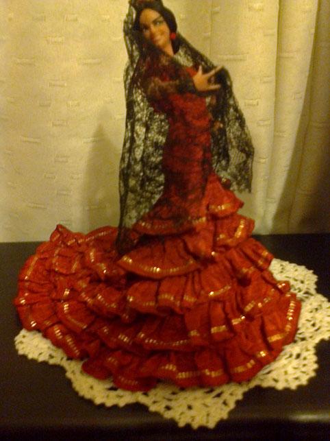 Bellísima muñeca flamenca.