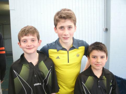 Amaury, Edouard et Antoine lors du 3eme tour à Limoges Ste Claire. Dans la catégorie benjamins (-11 ans), Antoine a battu Amaury en finale et accède à l'échelon régional