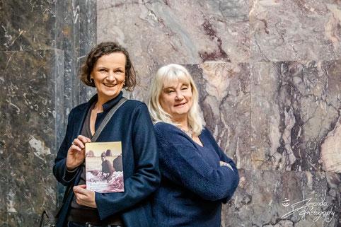 Ernst-Ludwig-Buchmesse 2019: Verlegerin Beatrix van Ooyen und Autorin Barbara Hauck, Foto von Studio Jemanda, Bad Nauheim