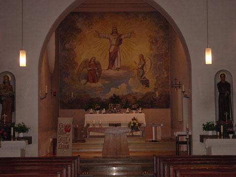 Innenansicht der Herz Jesu Kirche vor der Renovierung