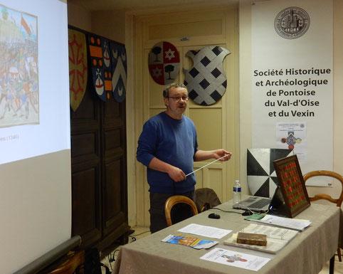 José Gilles, professeur agrégé, auteur de plusieurs ouvrages d'histoire et de généalogie en Vexin, administrateur de la SHAPVOV