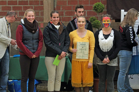 Etiene Tjeerdsma, Isabelle Knollmann, Alissa Bulk und Alicia Witte wurden für ihre Arbeit im Jugendvorstand des RVO geehrt.