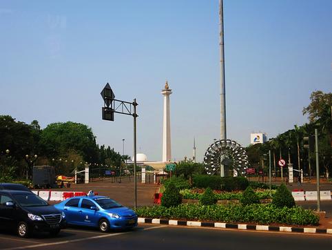 Blick auf das National Monument in Jakarta