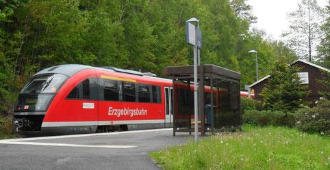 Bahnhof Kemtau mit der Erzgebirgsbahn nach Aue