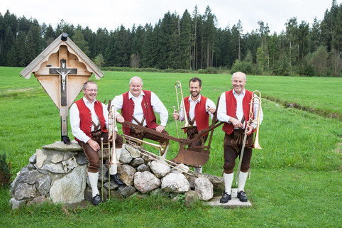Posaune v.l.n.r. Alois Badstuber, Bernd Schäffeler, Reinhold Bühler, Franz Dorn