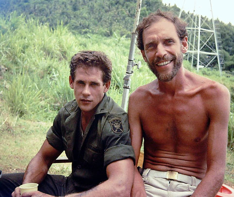 ©Sam Firstenberg, mit Michael Dudikoff am Set von American Fighter