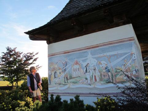 beeindruckend das 8 m breite, expressive Fresco