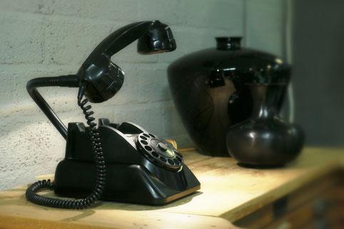 Lamp van retro telefoontoestel bij Magazzini in Velp