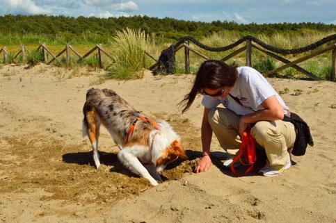 Yuko... scavando nella sabbia