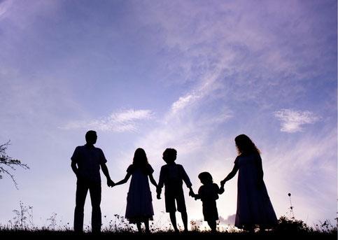 Familie am Abend
