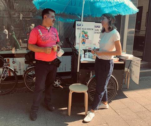 Interviews mit Anwohnern in der Keupstraße – viele wünschen sich mehr Sauberkeit.