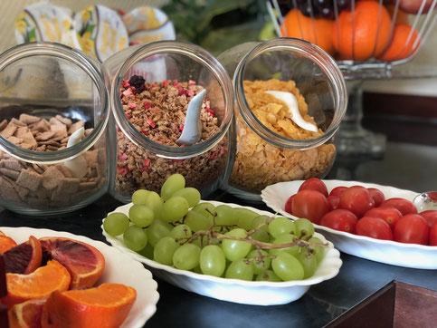 Fühstücksbuffet - Breakfast buffet - Petit déjeuner buffet - Prima colazione a buffet