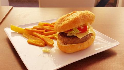 Rental Apartments in Hurghada at Tiba Resort - Free Home Made Burger When Renting - www.apartmentsinhurghada.com