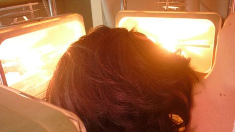 顔、頭頂部、後頭部の照射で視力改善、自律神経バランス、脳内.ホルモン活性化で精神を安定させます。千葉県鎌ヶ谷市の八光流「皇法指圧」・アーク光線療法の整体院です。