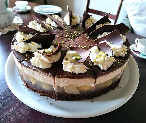 Grosse Auswahl an leckeren selbstgebackene Torten für Ihre Geburtstagsfeier