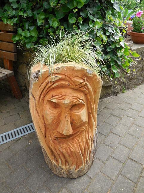 Waldgeist ( Blumenkübel) 80 cm aus Robinie
