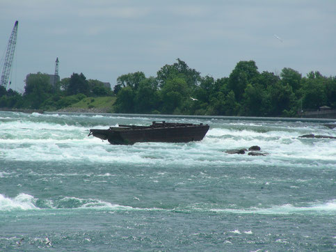The Old Scow near the Niagara Falls