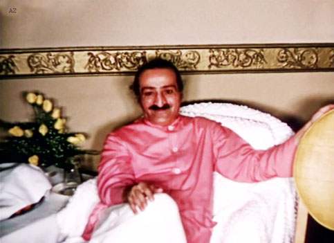 1956 : Meher Baba at the Delmonico Hotel, New York City. Image captured by Anthony Zois from a film by Sufism Reoriented.